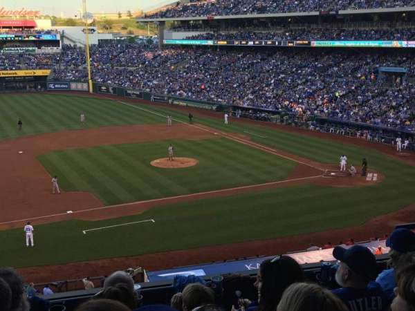 Kauffman Stadium, section: 305, row: E, seat: 8