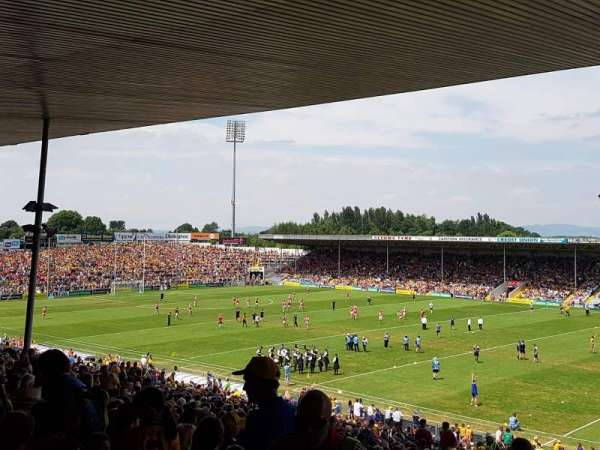 Semple Stadium, section: 209, row: FF, seat: 12