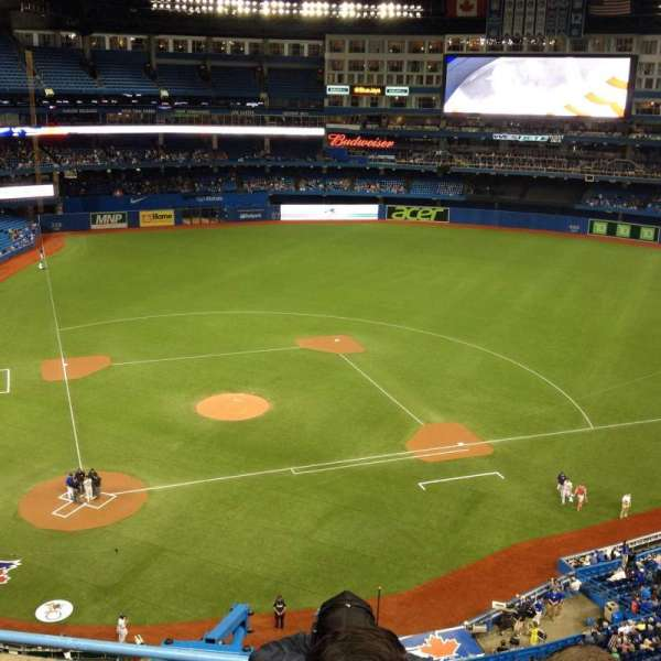 Rogers Centre, section: 521L, row: 4, seat: 107