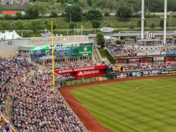 Kauffman Stadium, section: 417, row: EE, seat: 23