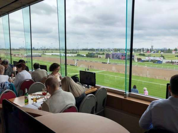 Woodbine Racetrack, section: Favourites, row: 2, seat: 211