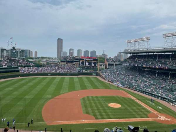 Wrigley Field, section: 310L, row: 10, seat: 3