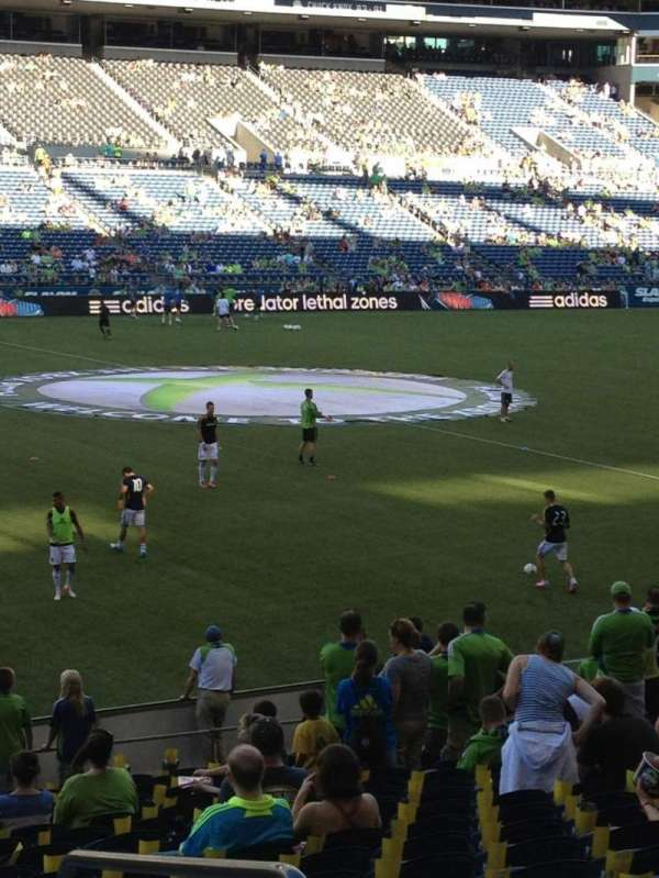 CenturyLink Field, section: 138, row: V, seat: 3