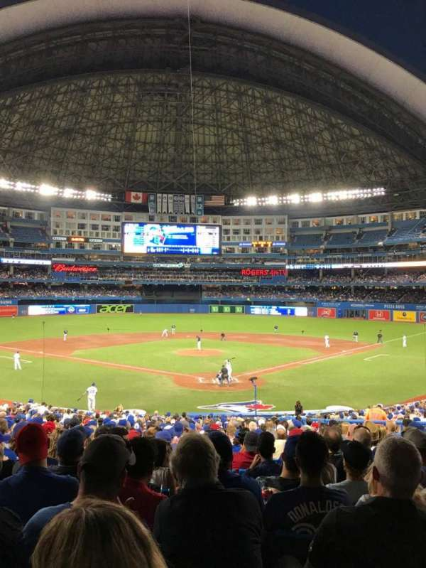 Rogers Centre, section: 122L, row: 33, seat: 110