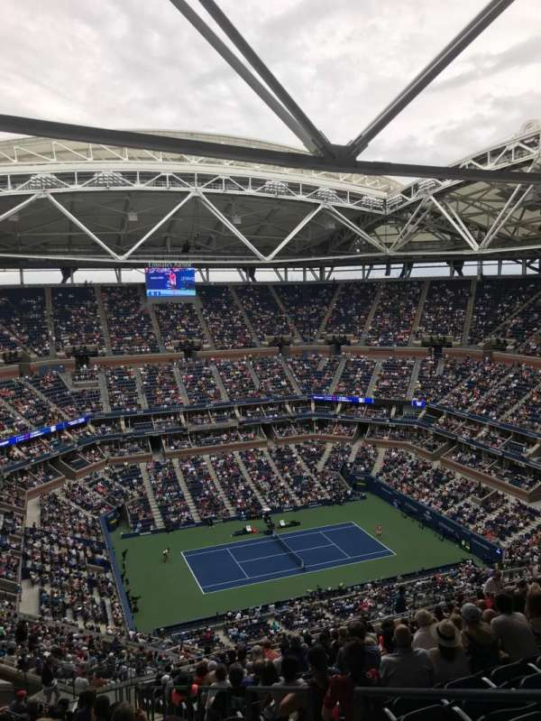 Arthur Ashe Stadium, section: 308, row: V, seat: 2
