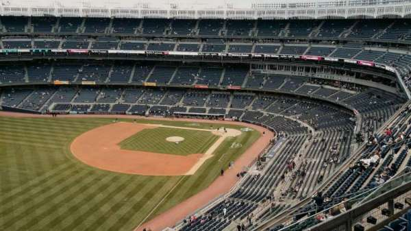 Yankee Stadium, section: 431b, row: 6, seat: 12