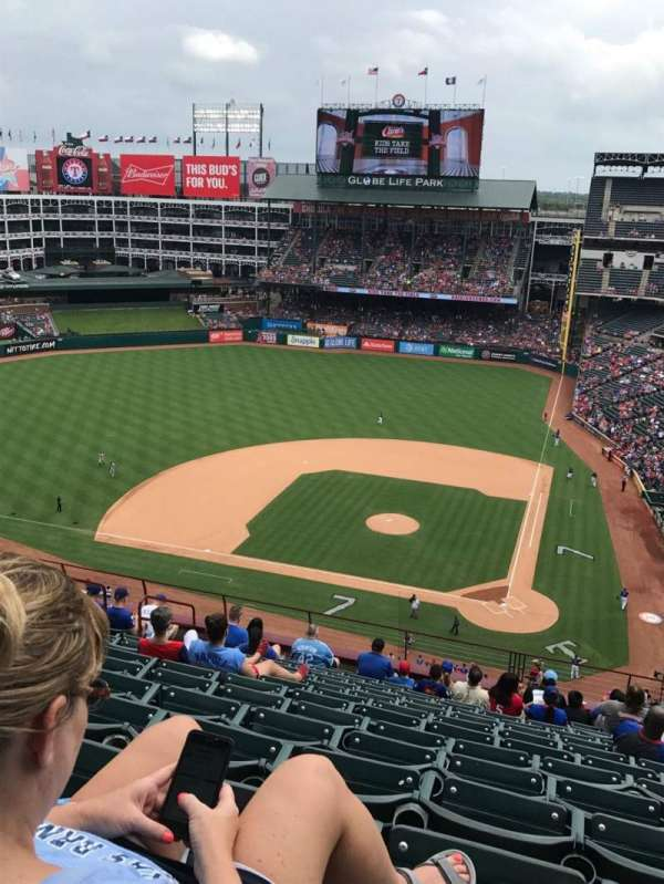 Globe Life Park in Arlington, section: 322, row: 14, seat: 10