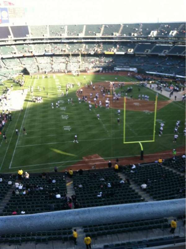 Oakland Coliseum, section: 207, row: 9, seat: 1