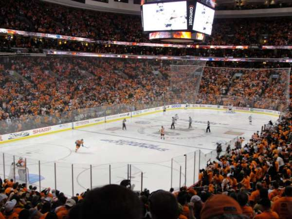 Wells Fargo Center, section: 121
