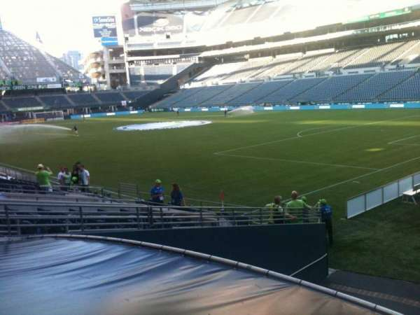 CenturyLink Field, section: 128, row: R, seat: 1