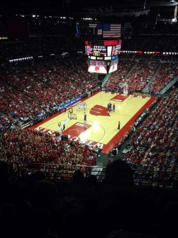 Kohl Center, section: 313, row: E, seat: 7