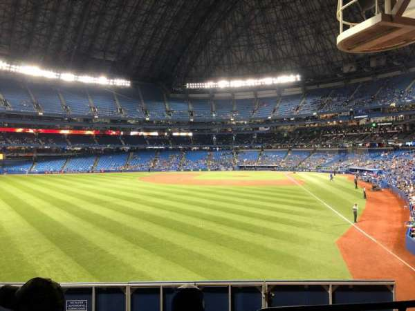 Rogers Centre, section: 135L, row: 3, seat: 106