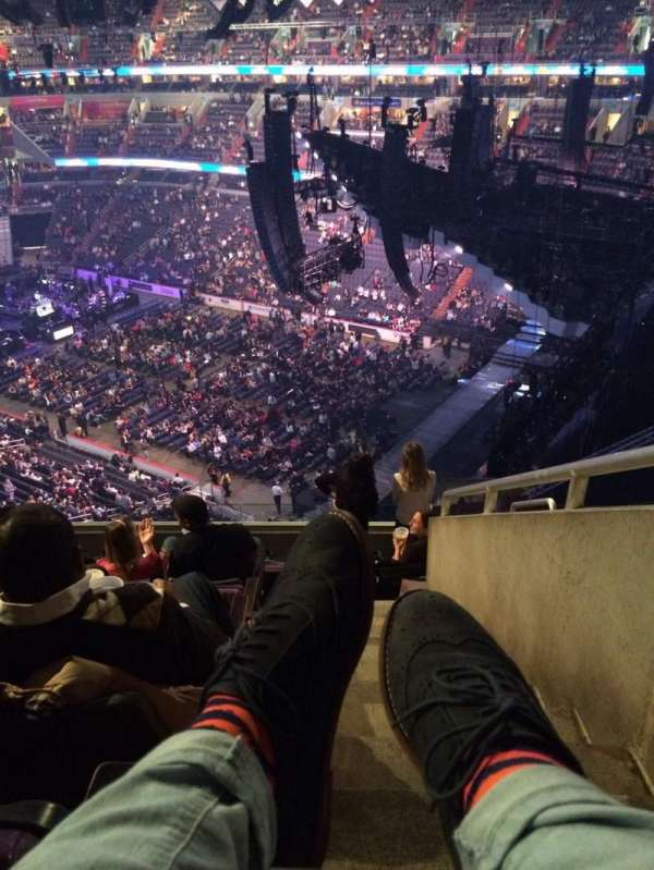 Capital One Arena, section: 421, row: H, seat: 17