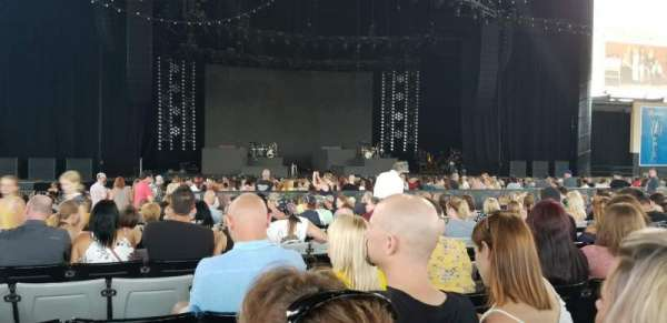 Hollywood Casino Amphitheatre (Tinley Park), section: 103, row: GG, seat: 43