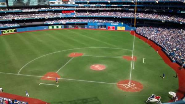 Rogers Centre, section: 527R, row: 3, seat: 5