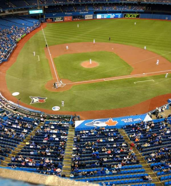 Rogers Centre, section: 522L, row: 1, seat: 105