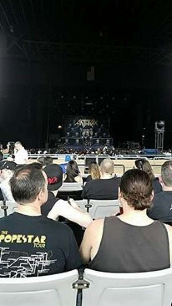 Hollywood Casino Amphitheatre (Tinley Park), section: 205, row: TT, seat: 11-13
