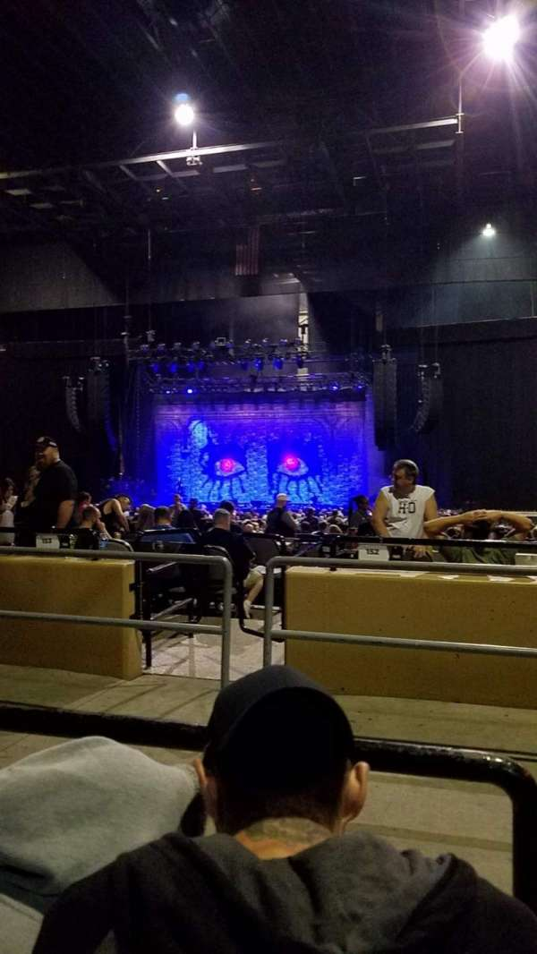 Hollywood Casino Amphitheatre (Tinley Park), section: 204, row: mm, seat: 18
