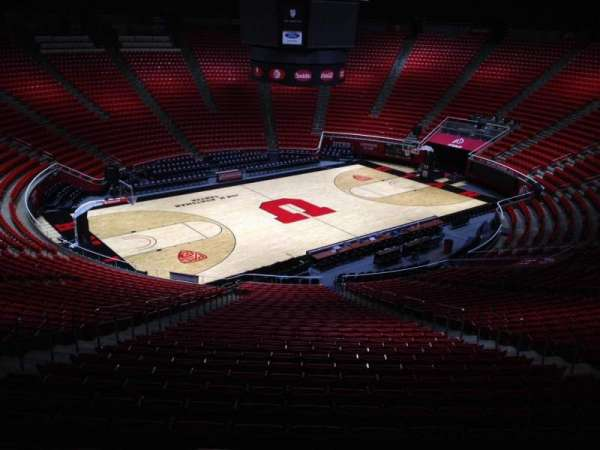 Jon M. Huntsman Center, section: qq, row: 1, seat: 18