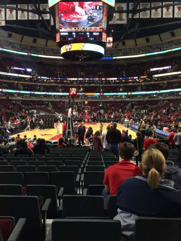 United Center, section: 106, row: 5, seat: 3