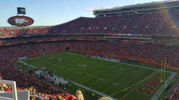 Arrowhead Stadium, section: 341, row: 17, seat: 21