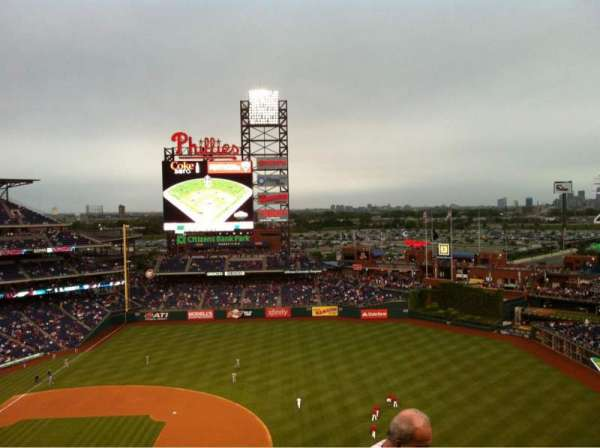 Citizens Bank Park, section: 413, row: 4, seat: 24