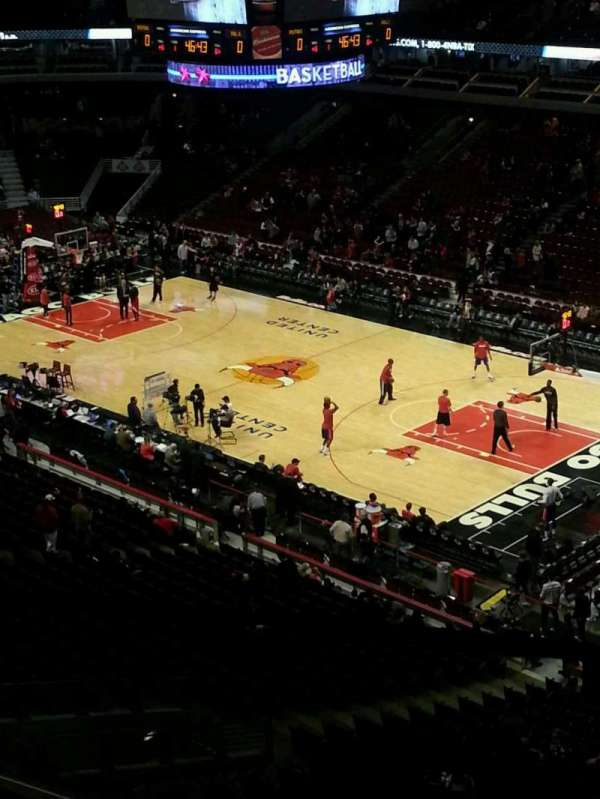 United Center, section: 331, row: 1, seat: 5