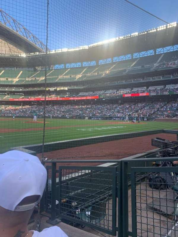 T-Mobile Park, section: 140, row: 3, seat: 2