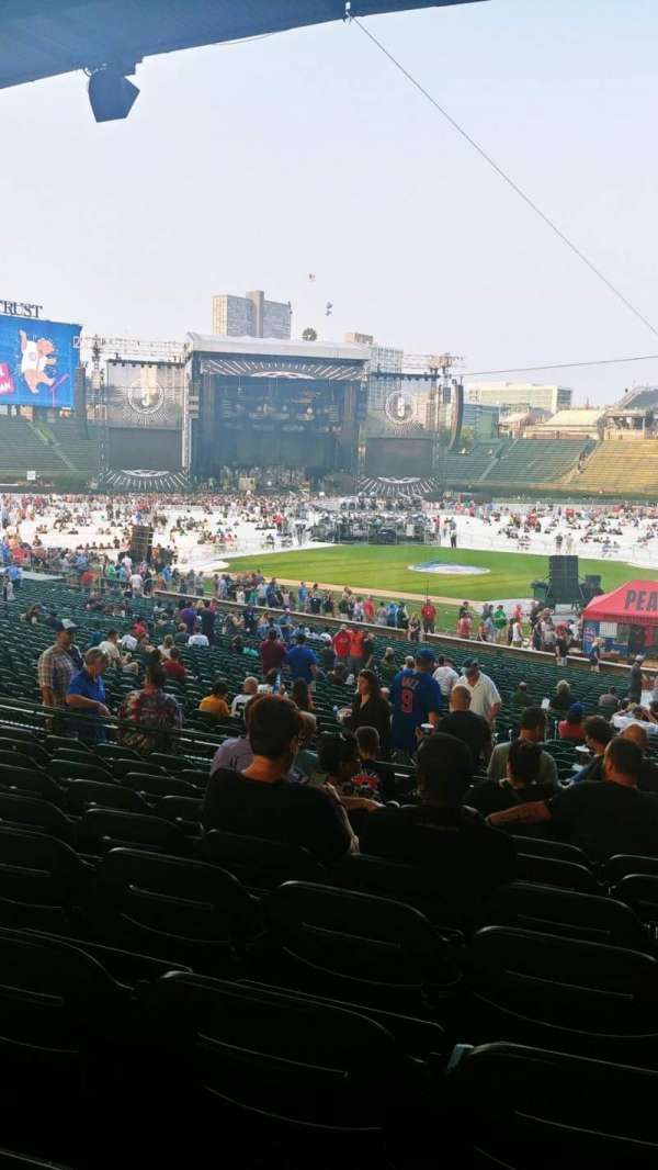 Wrigley Field, section: 215, row: 9, seat: 18