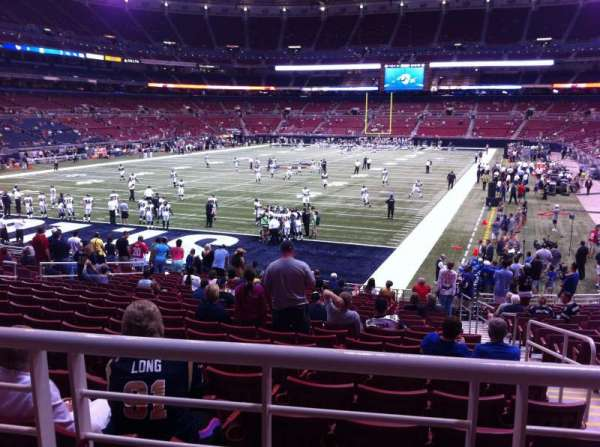 The Dome at America's Center, section: 152, row: U, seat: 2