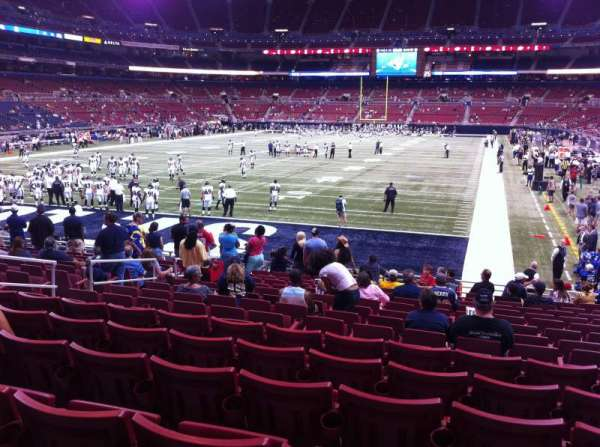 The Dome at America's Center, section: 152, row: Q, seat: 12