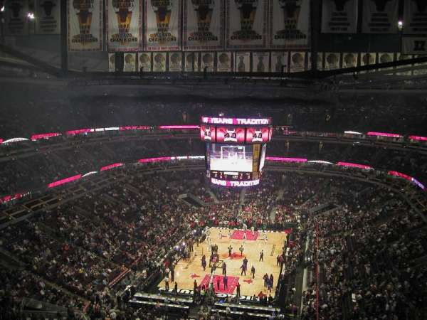 United Center, section: 324