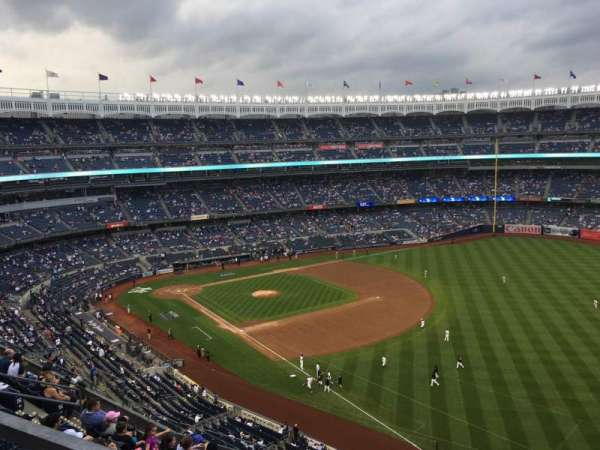 Yankee Stadium, section: 415, row: 8, seat: 9