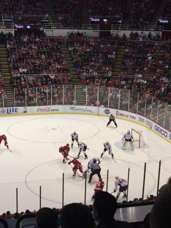 Joe Louis Arena, section: 220, row: 6, seat: 9