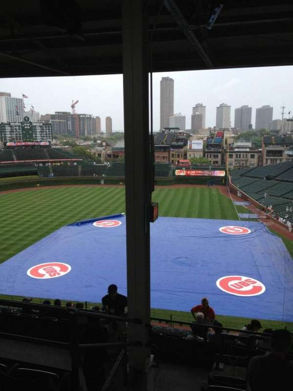 Wrigley Field, section: 413L, row: 6, seat: 1