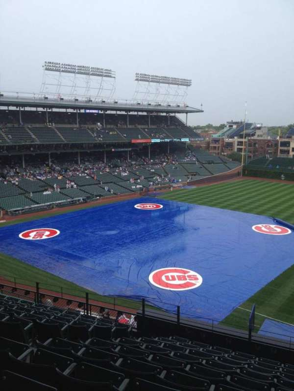 Wrigley Field, section: 328R, row: 10, seat: 6