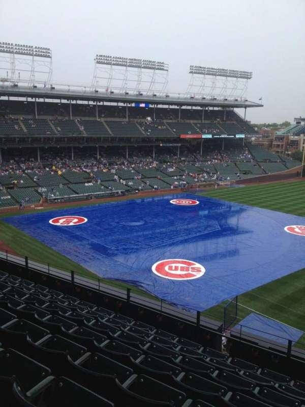 Wrigley Field, section: 327R, row: 9, seat: 24