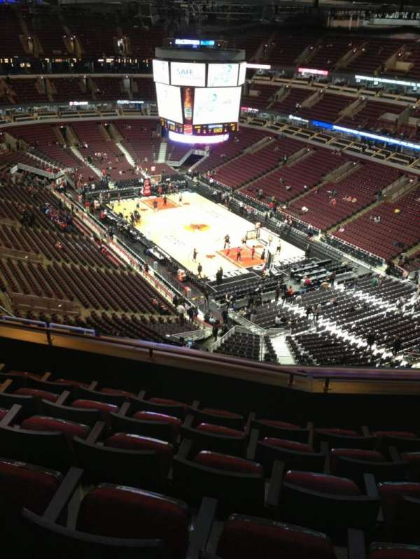 United Center, section: 329, row: 13, seat: 13