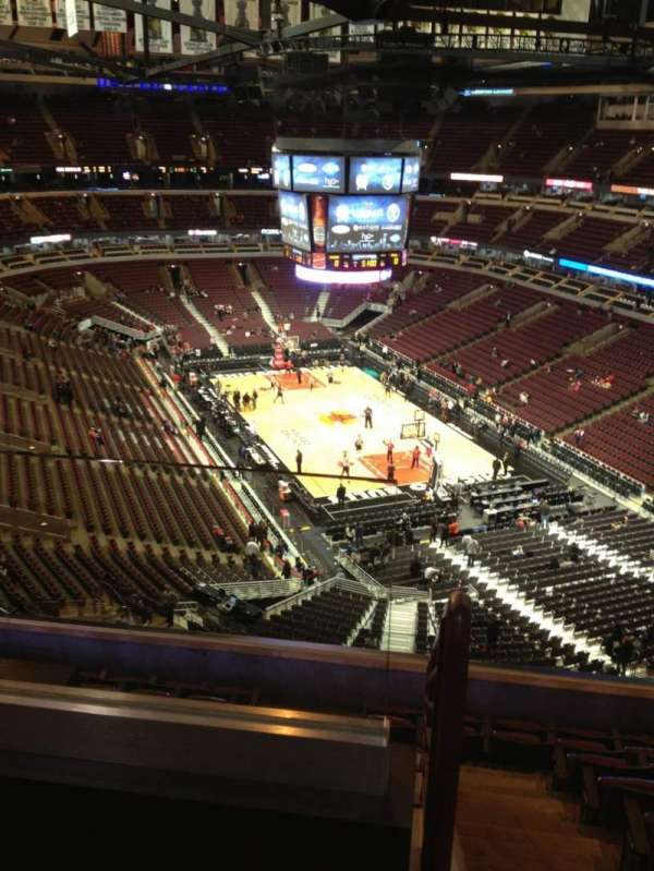 United Center, section: 328, row: 9, seat: 20