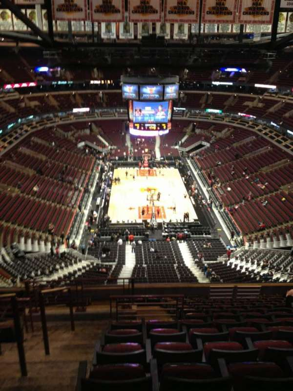 United Center, section: 326, row: 15, seat: 15
