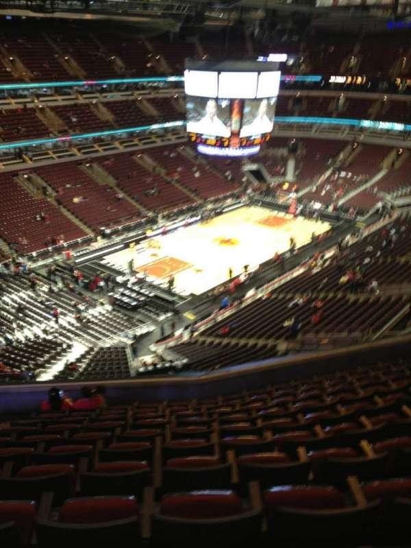 United Center, section: 322, row: 11, seat: 15
