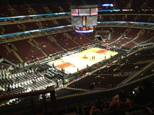 United Center, section: 321, row: 9, seat: 20