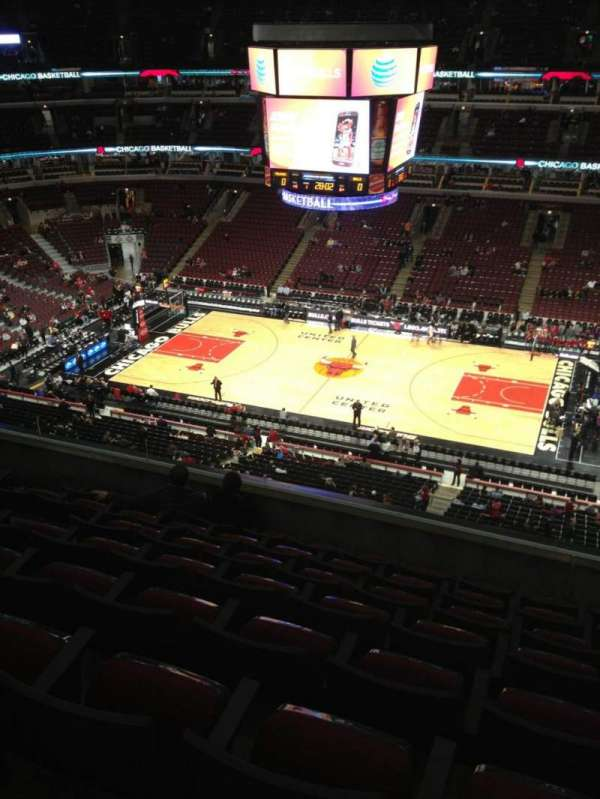 United Center, section: 316, row: 8, seat: 8