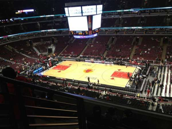 United Center, section: 315, row: 6, seat: 14