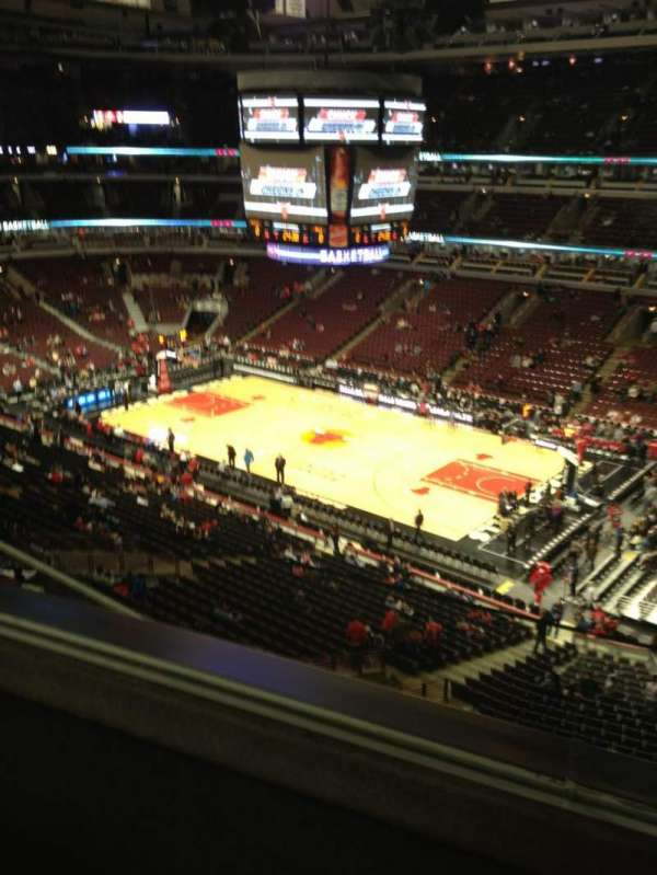 United Center, section: 314, row: 2, seat: 18