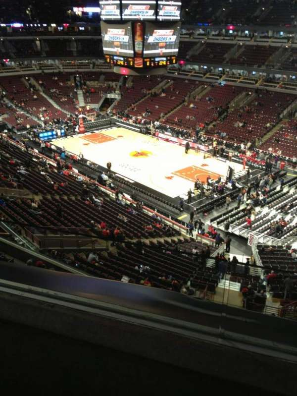 United Center, section: 314, row: 2, seat: 15