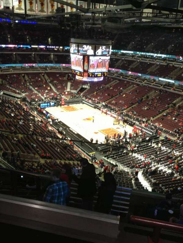 United Center, section: 312, row: 9, seat: 20