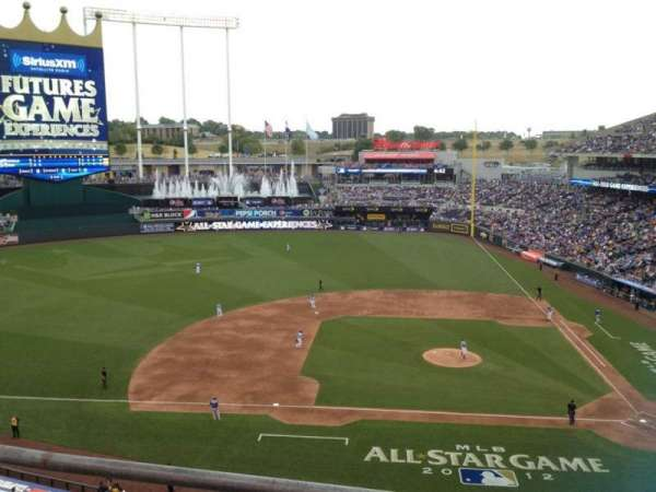 Kauffman Stadium, section: 412, row: B, seat: 1