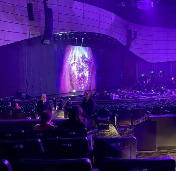 Zappos Theater, section: 208, row: D, seat: 1