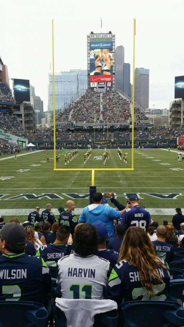 CenturyLink Field, section: 122, row: Q, seat: 9